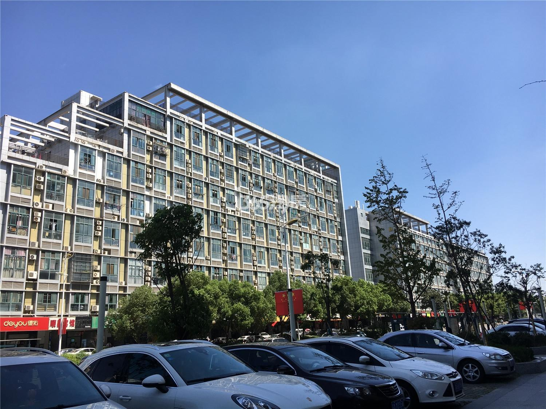 金轮双子星国际公寓